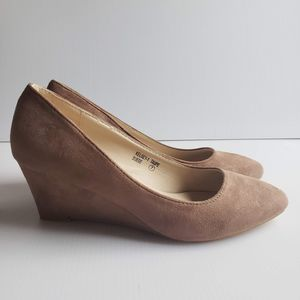 New Faux Suede Wedge Pumps Heels 7 Taupe